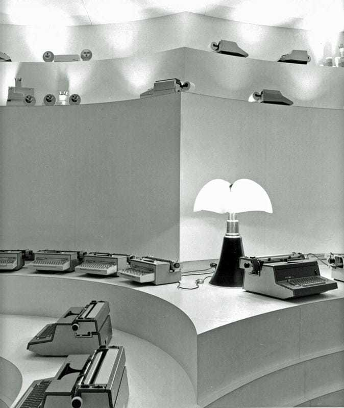 GaeAulenti-showroom olivetti