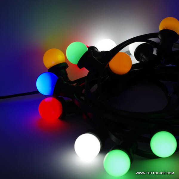 Filo di luci colorate per esterno catenaria speciale di for Lampadine led ikea