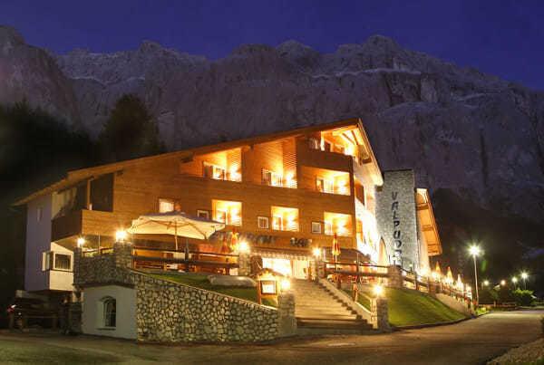 Sistemi di controllo e illuminazione per hotel.
