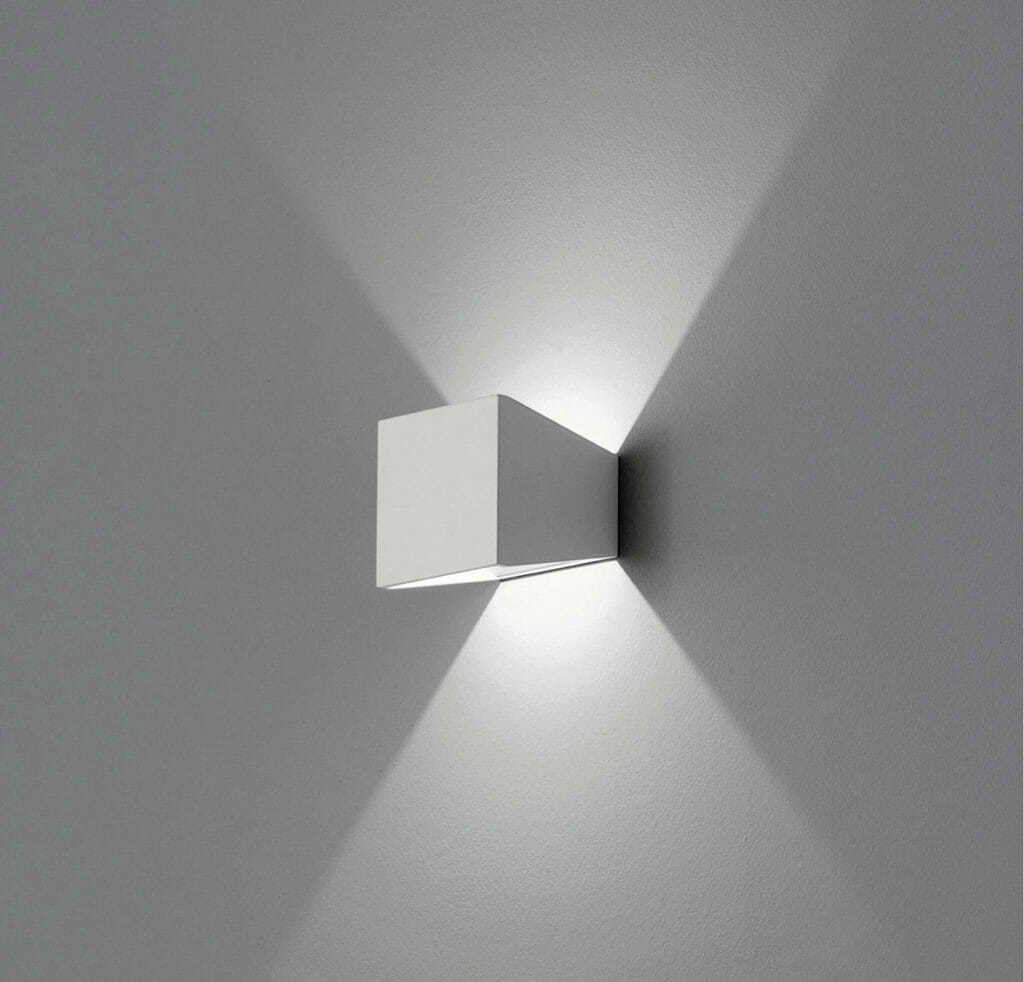 Lampada led parete 11 watt 885 lumen mia for Lampade a led watt