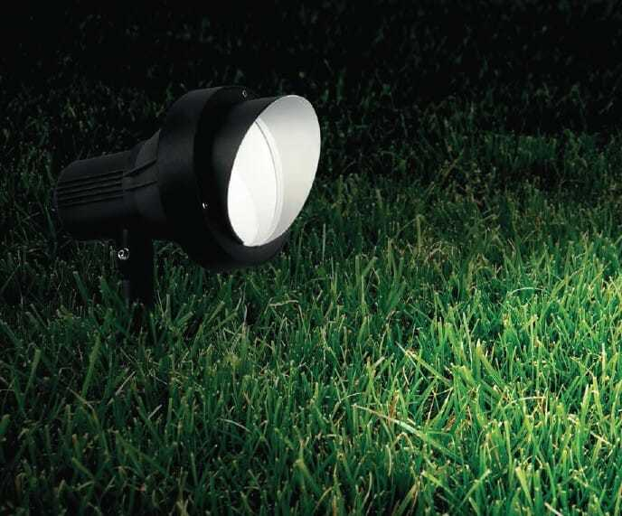 Faretti led per giardino impossibile ignorare le luci for Faretti esterni led