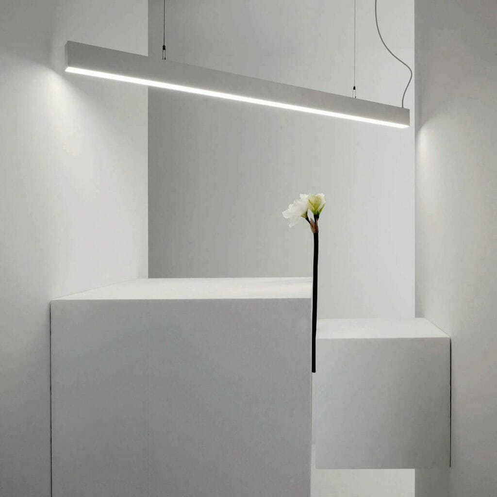 Lampadario Con Punto Luce Decentrato sistema illuminazione sospesa led line soft