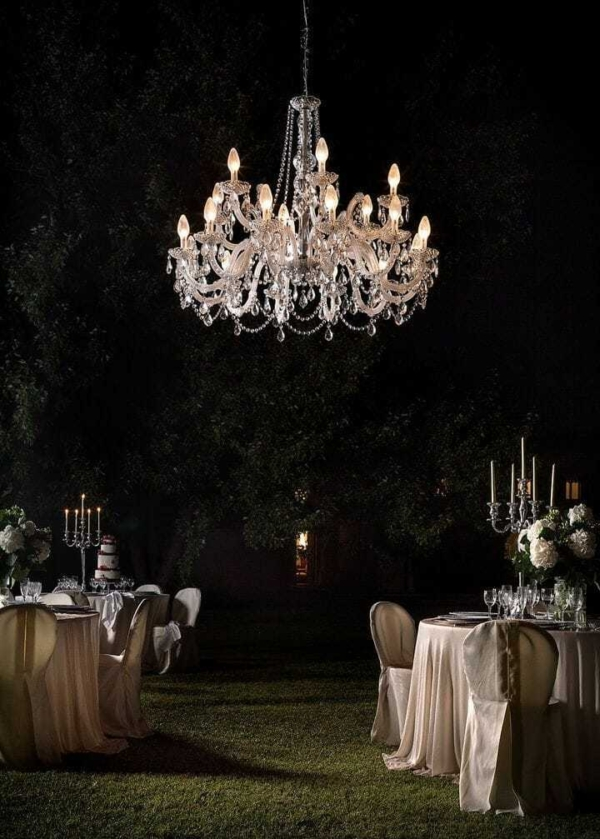 Lampadario classico da esterno per eventi cerimonie feste eleganti ed in stile