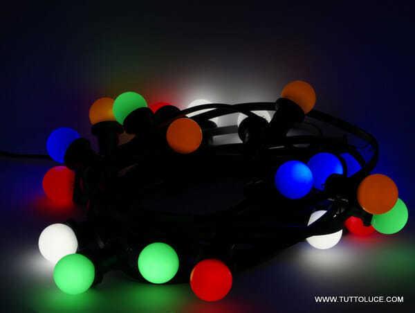 Filo di luci colorate per esterno catenaria speciale di for Costo lampadine led