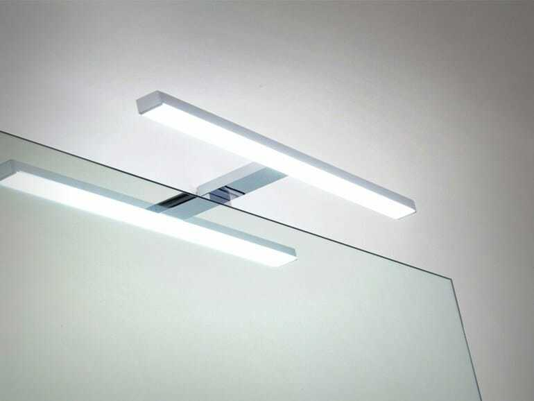 Lampada specchio bagno tutti pi belli con la luce giusta - Faretti bagno specchio ...
