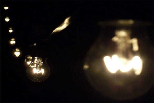 Sicura Resistente Flessibile la Catenaria di lampadine per esterno.