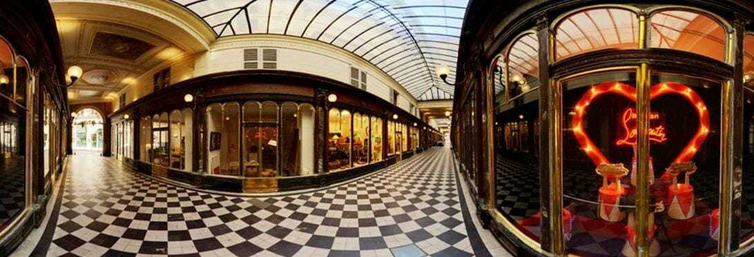 Parigi 1830, i primi negozi espongono in vetrina.
